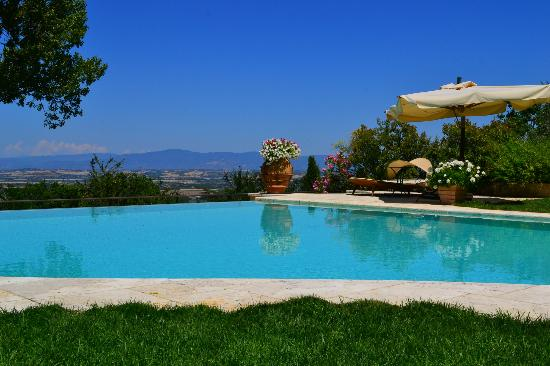 Villa Cicolina: views forever...
