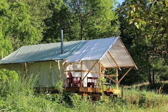 River Dance Lodge: glamping tent