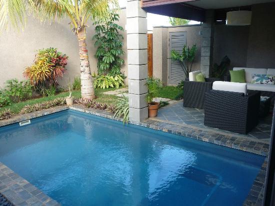 Les Villas Athena: Veranda & Pool