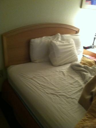 AmericInn Minocqua: sheets from another angle