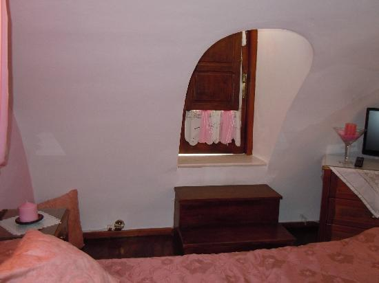 Merovigliosso Apartments: From the bedroom there is a little door to get to the balcony
