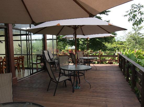 Tenorio Lodge: The veranda of main house