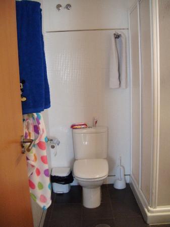 Albergue Juvenil Alicante Villa Universitaria: Bathroom