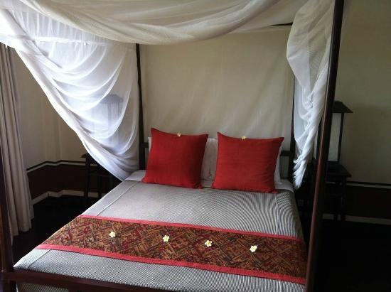 Mekong Estate: comfy bed