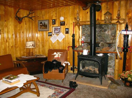 Ores and Mine Bed & Breakfast: Very interesting decor...a story on every wall!