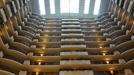 Embassy Suites by Hilton Anaheim - South: Looking up from the atrium