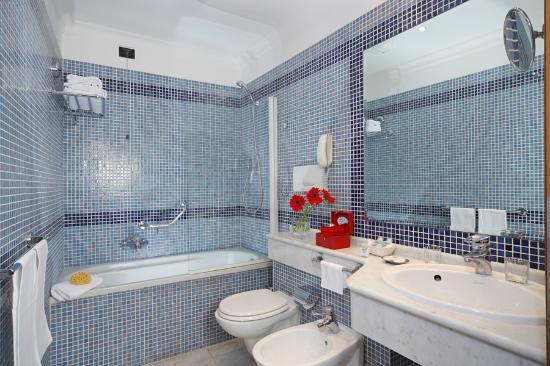 Hotel Portoghesi: bagno