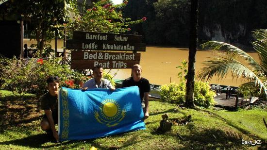Kazakh tourists in Barefoot Sukau Lodge