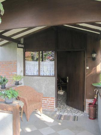 de Daunan Home and Garden Guest House: our room