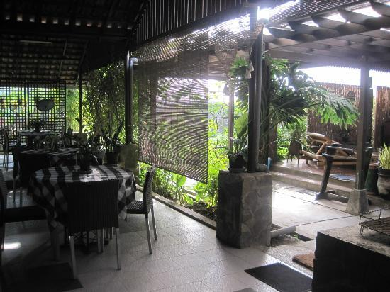 de Daunan Home and Garden Guest House: breakfast venue