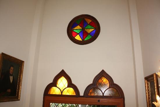 Locanda San Barnaba: Stained glass