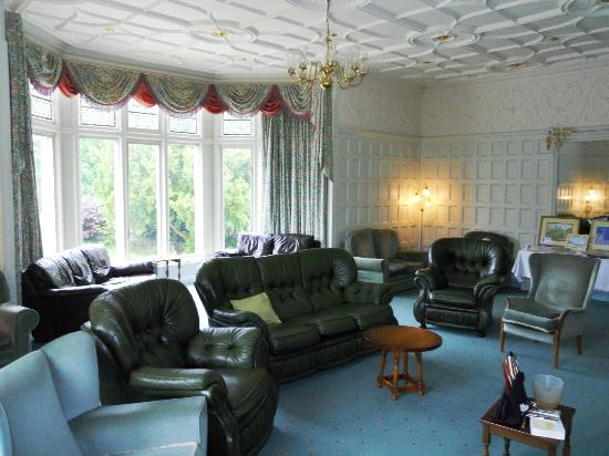 Whalley Abbey: Guests lounge