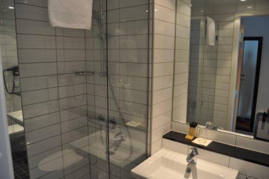 Thon Hotel Linne: Nice bath