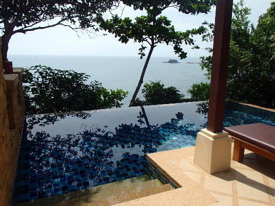 Salon - chambre avec piscine privée - Picture of Crown Lanta ...
