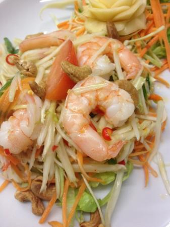 Boonnak Thai Restaurant: SOM TUM GUNG SOD Thai papaya salad with prawn
