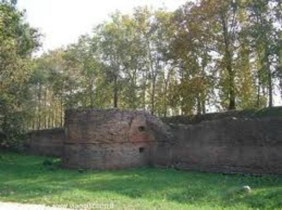 Le Mura di Ferrara: TORRIONE PARTE NORD DELLE MURA FERRARESI