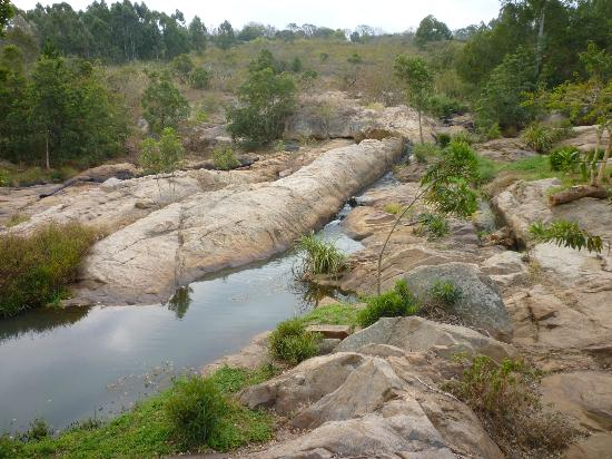 Jatinga Country Lodge: View from riverfront deck
