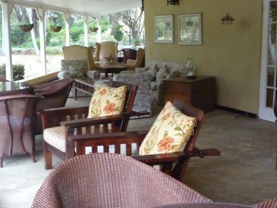 Jatinga Country Lodge: Verandah