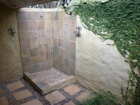 Jatinga Country Lodge: Outside shower