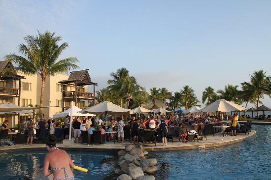 Wyndham Resort Denarau Island: Owners evening, pool area