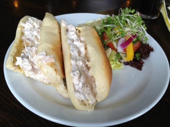 Merrymouth Inn: Tuna mayo baguette!