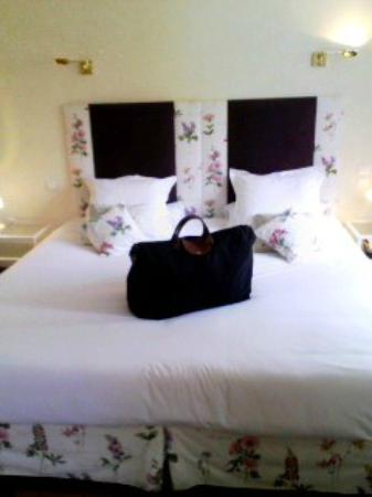Hostellerie Saint-Antoine : ベッドルーム