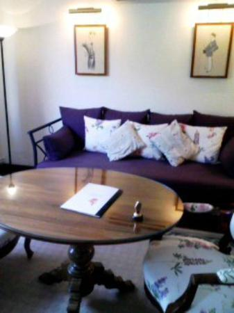 Hostellerie Saint-Antoine : リビングルーム