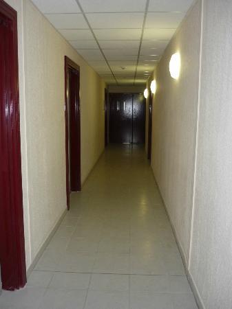 Résidence Les Demeures de la Massane : Couloir d'accès aux appartements