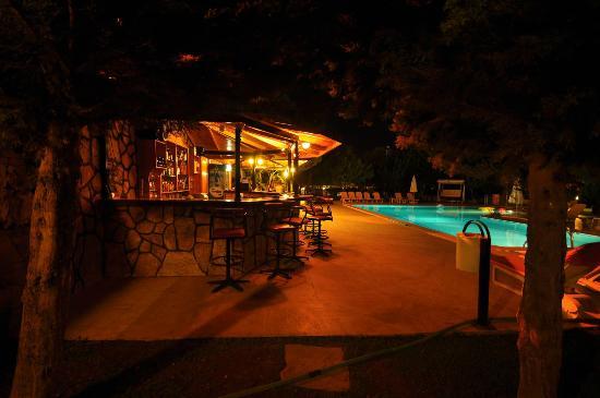 Oran Apart Hotel : Oran Apart bar