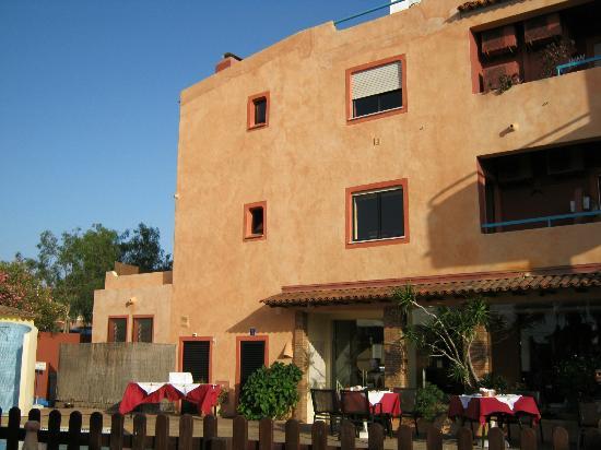 Costa D'oiro Ambiance Village: Hauptgebäude/Restauranteingang