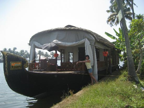 Nanni beach Residence: 2 bed rooms dlx houseboat