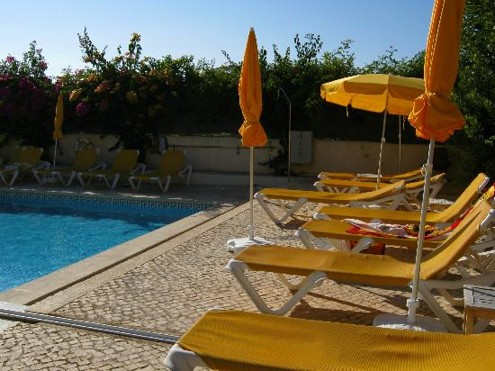 Costa D'oiro Ambiance Village: Pool nicht am Hauptgebäude