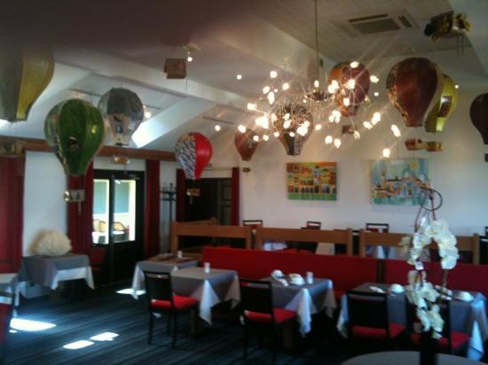 Hotel Le Jules Verne: salle de déjeuné