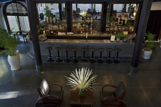 Heritage Suites Hotel: Great cocktails and Jazz nights every Thursdays at the Bar