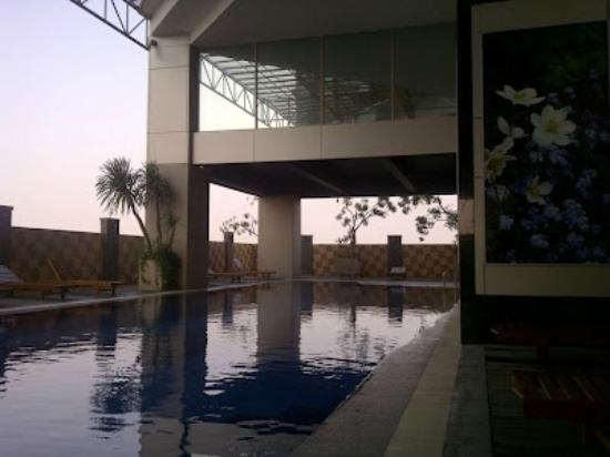 kolam renang picture of best western mangga dua hotel and rh tripadvisor ca