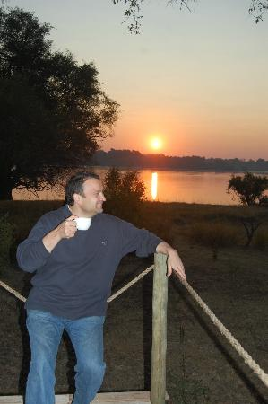 Victoria Falls River Lodge - Zambezi Crescent: Zambezi River sunset