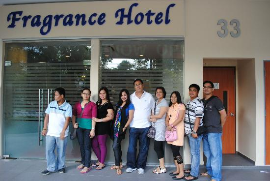 Fragrance Hotel - Bugis: outside the hotel