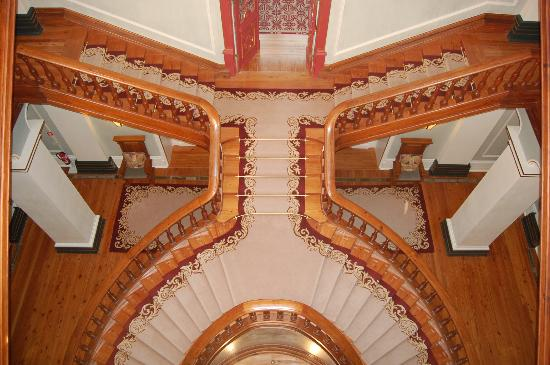 Vidago Palace Hotel: The grand staircase