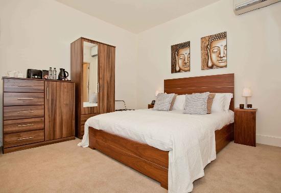 Lower Belgrave Street Apartments : Studio Apartment