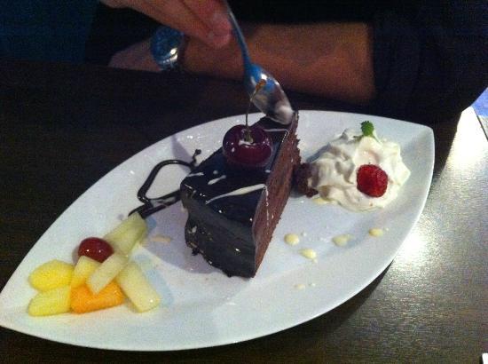 Tullins Cafe: A chocolate cake