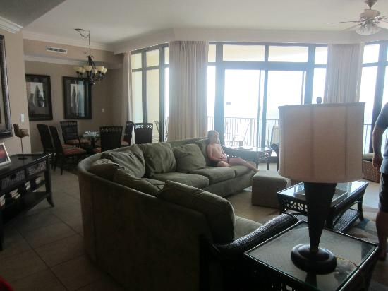 Phoenix West: The living and dining area of our beautiful condo!