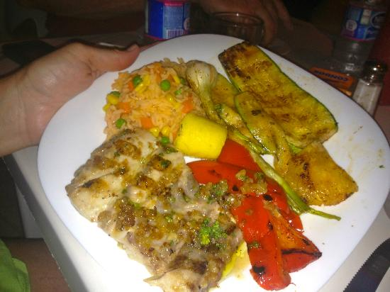 Latitude 20: Grilled Fresh Fish with grilled vegies and fruits!