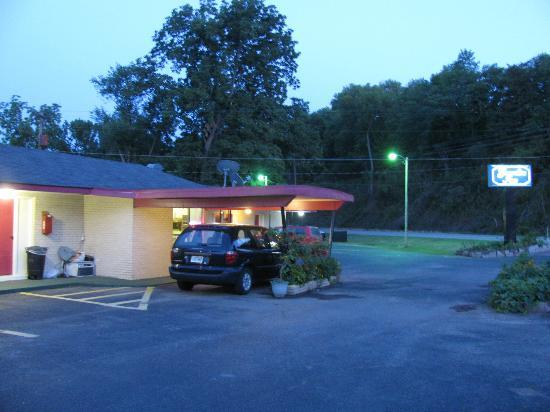 Executive Inn: Motel