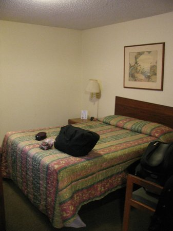 Executive Inn: My Bedroom