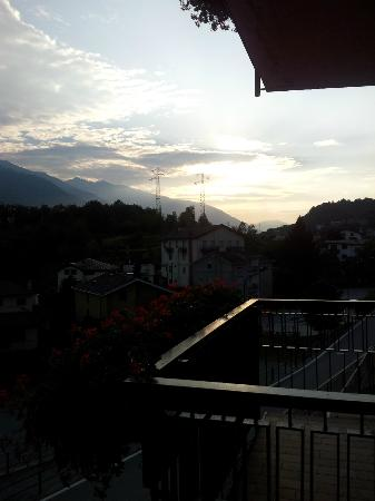 Hotel Campelli : L'alba vista dal balcone