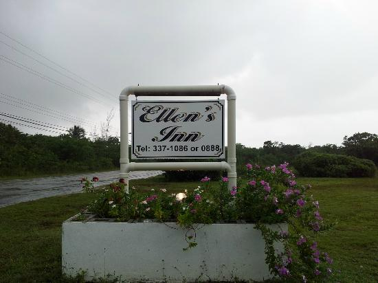 Ellen's Inn: Sign from road