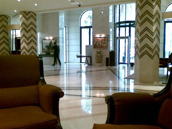 Royal Hotel Oran - MGallery Collection : hall d'entrée