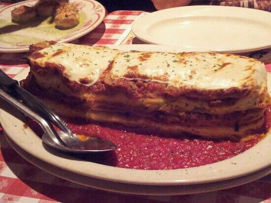 Buca di Beppo: Huge lasagna!