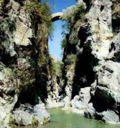 Civita, Ιταλία: ponte del  diavolo