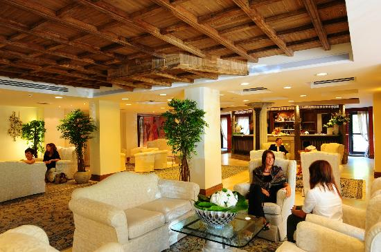 Lounge Bar - Picture of Grand Hotel Assisi, Assisi - TripAdvisor
